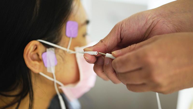 接上神經調節治療儀器